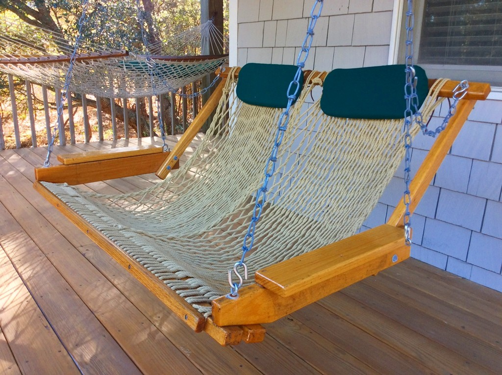 Leeward Inn_swing chair_Southern Shores_OBX_Outer Banks